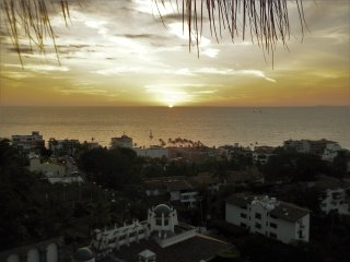 Lovely 3-Bedroom Villa,  FREE Use of Ford Escape., Puerto Vallarta