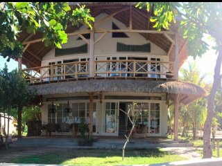 senang Beachfront villa, Gili Air