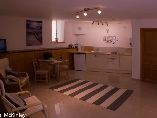 Self catering studio apartment for 2 adults., Quarante