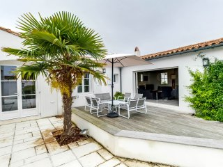 Pleasant family home near the beach, La Couarde-sur-Mer