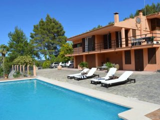 Lovely holiday villa in Campanet with pool