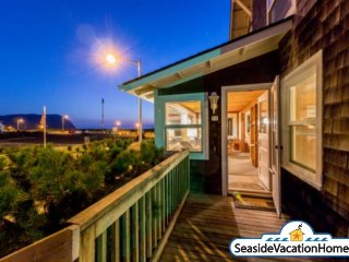 70 12th Avenue - Ocean View - 100ft to Beach, Seaside