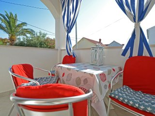 Blumarine Captains 2 bedroom airconditioned apartment, Supetar island of Brac