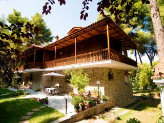 Sani Traditionelle Villa