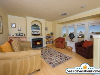 1440 Beach Dr - Ocean View - 200ft to Beach, Seaside