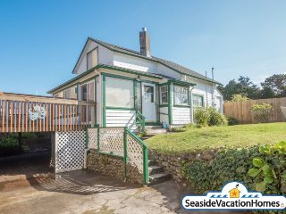 68 3rd Ave - Near Ocean 150 ft to Beach, Seaside