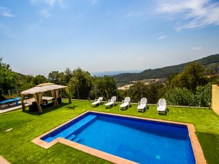 Catalunya Casas: Villa Sole Sant Feliu for 8 guests, just a short drive to Barce