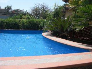 Villa Niccolò con piscina privata e vista mare, Sant'Agata sui Due Golfi