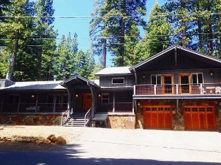 Spacious Tahoe City Home Backed Up to Forest 3bd/2ba