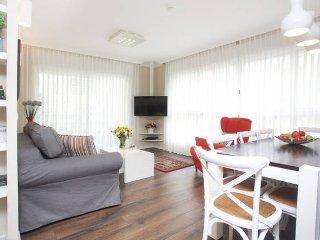Lili's Place Amazing 2BD Marina Apartment, Herzliya