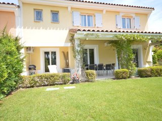 Elegant Villa 3 Bedroom -  with a beautifu garden.