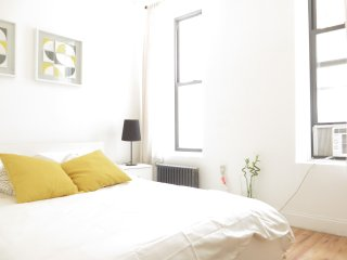 Stylish 2BR ★ Sleeps 6 ★ C.Park, Nova York
