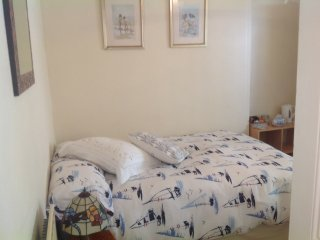 Garden room (small) Double bed, Looe