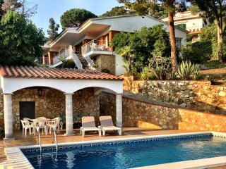 Villa Leonora, geweldig zwembad met zeezicht!