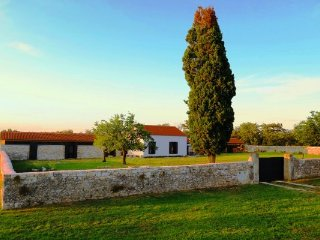 "Beautiful Istrian House ""GreenSky"" with big yard, Krnica"