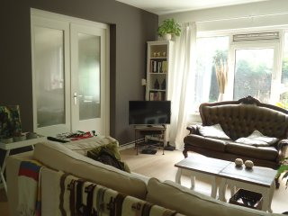 Cozy apartment with garden and free parking, Ámsterdam