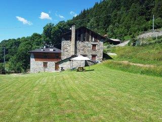 Gran baita country house nella natura, Vezza d'Oglio
