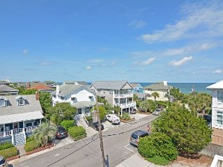 Girman-Beautifully furnished townhouse with nice ocean views, close to beach, Wrightsville Beach