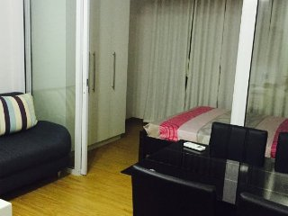 NEW! NEW! One bedroom unit near Rockwell,Makati