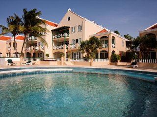 Diving Port Bonaire A101, a tempting apartment with sea view and communal pool