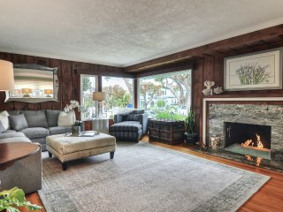 May & June Special! 9000/Month! Cute Corona Del Mar Cottage, just half a block to the beach!
