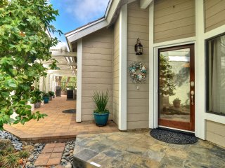 Private patio & hot tub, community pool & tennis courts., Laguna Niguel