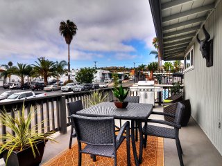 Summer Sale!  6/1 - 8/12 - Cute condo with deck patio - close to the beach