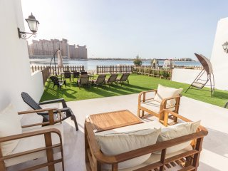 Beach Front Villa 5 Bedroom + on Palm Jumeirah