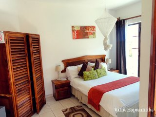 Spanish Villa - Double Rm. #two, Bilene