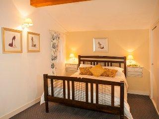Glorious golden bedroom in Grace's Gate
