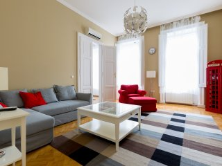 Spacious Apartment in center A/C