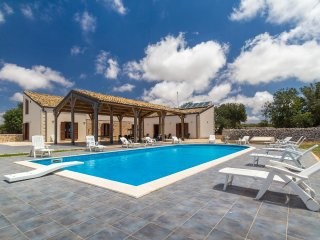 Calliope, country villa with private pool