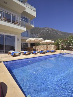 Plenty of outside space and mountain views. Very private and quite yet close to the old town!
