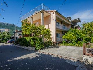 Big family apartment close to Split and Trogir, Kastel Stari