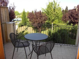 Large one bedroom apartment on Golf Court