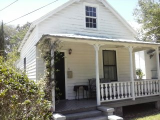 2 Bedroom Charming Cottage in St. Augustine, Saint Augustine