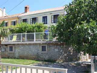 Nice apartment with 2 bathrooms and the sea view, Crikvenica