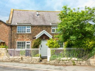 OLD CHAPEL, semi-detached, private garden, pet-friendly, woodburner, WiFi, in Ferrensby, Ref 938973