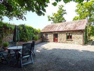 THE STABLE all ground floor, shared use of plunge pool, rural views, woodburner,