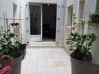 Studio avec cour ' centre de La Rochelle'