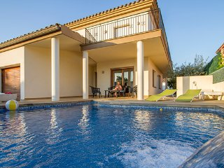 Villa Maria Empuriabrava with pool and WIFI