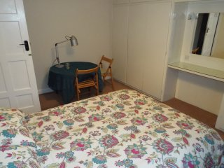 Cheap, Large Room in Central Suburb, London