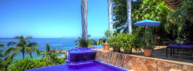 3-5BR LUXURY VILLA ONLY FEW STEPS TO THE BEACH, Puerto Vallarta
