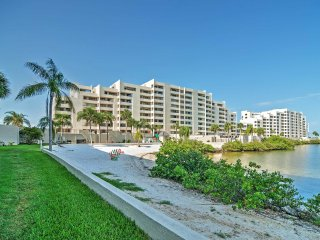 Inviting 1BR Hudson Condo w/Wifi, Private Balcony & Pristine Ocean Views - Instant Access to Gulf of Mexico & Attractions!