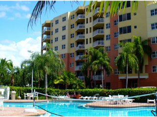 1 Bedroom Furnished Apartment in Florida, Weston