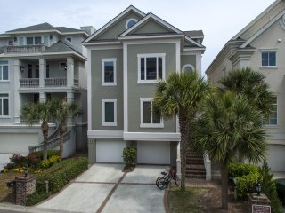 6 Collier Beach Road: Oceanfront, Singleton Beach, Pool Table, Mini-Golf ~ RA65378, Hilton Head