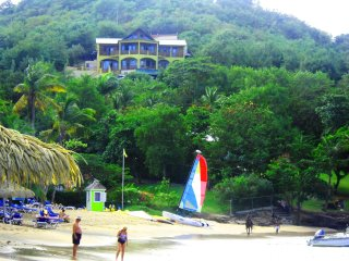 'OUR BEACHFRONT VILLA', Gros Islet