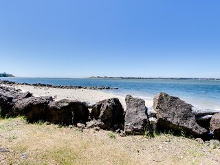 Dog-friendly bayfront cottage in town w/incredible views, close to shops & beach, Waldport