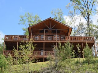 Key Bluff: New Construction w/ Magnificent Views, Sevierville