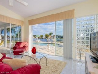 Water front charming Villa, Cape Coral